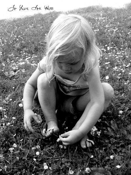 flowers {between} toes